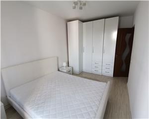 Inchiriez apartament 3 camere, Decomandat, Complet mobilat, Central