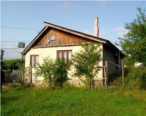 Casa cu teren 2200 mp in Ungureni, 20 km din Bacau, comision 0!