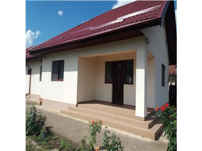 Rosiori, Ialomita, casa 2011, 5 camere, teren 3388 mp
