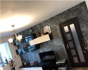 Apartament superb - mobilat,utilat,etaj 1 - Rovine