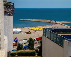 Apartament 3 camere superb cu vedere la mare