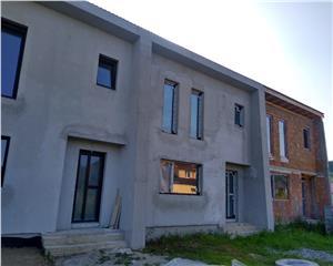 Casa in triplex- 96 mp utili- 2 ari teren- Unirea- Pret unic!