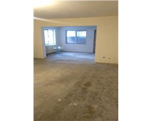 Apartament 3 camere-100 mp-  500 m fata de Spitalul TBC