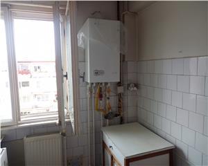 Apartament ULTRACENTRAL, 3 camere semidecomandat, comision 0!
