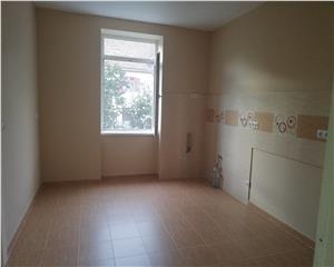Apartament 4 cam-zona centrala,apartament la vila