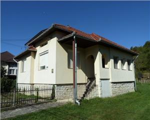 Casa mobilata utilata teren 3500 mp 30 km de Baia Mare