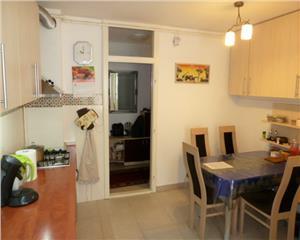 Bilascu Apartament 4 camere decomandat etaj 2