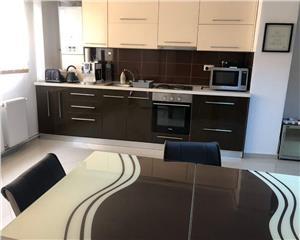apartament cu 3 camere confort 1 sporit STRAND 2