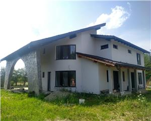 Casa individuala/ duplex-Finisat/Semifinisat-150 mp- Foisor- 400 teren