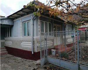 Casa de vanzare Comanesti 4 camere 100mp utili+teren 1300mp, comison 0