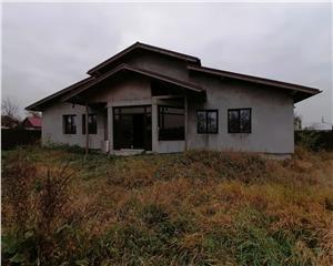 Casa de vanzare Saucesti 3 camere, 180mp UTILI, comision 0