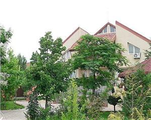Casa  8 cam - Baneasa - Iancu Nicolae - Zoo - 734 mp - teren 925 mp