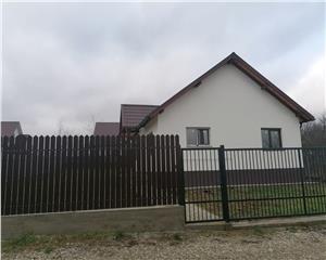Casa de vanzare 2camere decomandat 65mp UTILI