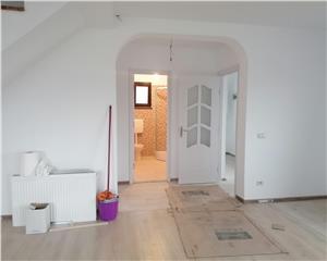 Casa de vanzare 3 camere decomandat 90mp UTILI