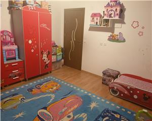 Apartament de vanzare 3 camere decomandat 84 mp UTILI