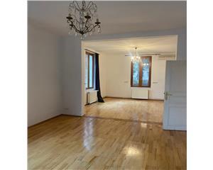 casa 9 camere, 245mp, parcare, renovata, Mitropolie
