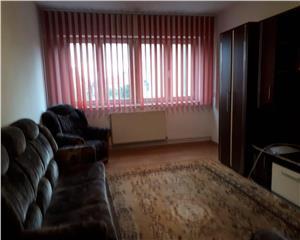 apartament cu 3 camere de inchiriat zona Mihai Viteazu