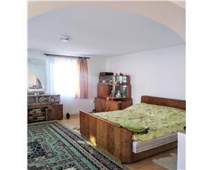 Casa 3,7 ari teren- 90 mp + mansarda- Zona Linistita Codrisor