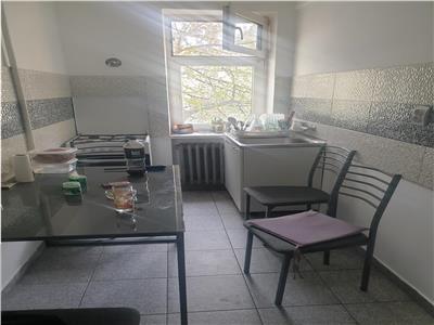 Apartament 2 camere, etaj 2 - bdul Severinului - Geamuri