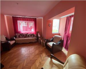 Apartament de vanzare 3 camere circular 60 mp, Bicaz
