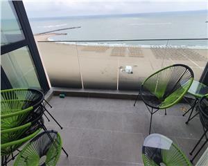 Apartament spectaculos, 2 camere, vedere frontala la mare, Faleza Nord
