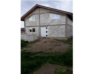 casa nefinalizata,P+M, 6 camere, teren 400 mp, Bajani-Vadu Pasii