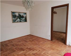 Apartament de vanzare 3 camere circular CORA