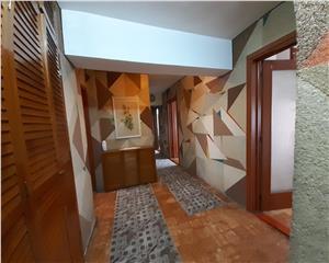 4 camere stil clasic - 2 grupuri sanitare - mosilor - foisorul de foc