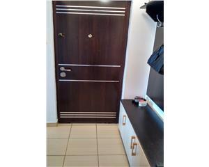 Apartament 3 camere decomandat Dunarii vis a vis de Piata