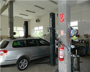 Spatiu industrial   service auto complet dotat   depozit   diverse