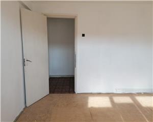 Apartament 2 camere semidecomandat 49mp UTILI