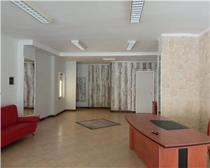 Spatiu comercial/birouri- Central -140 mp